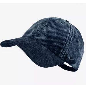 cf4f7de6 Nike Accessories - NIKE HERITAGE 86 CORDUROY STRAPBACK BASKETBALL HAT
